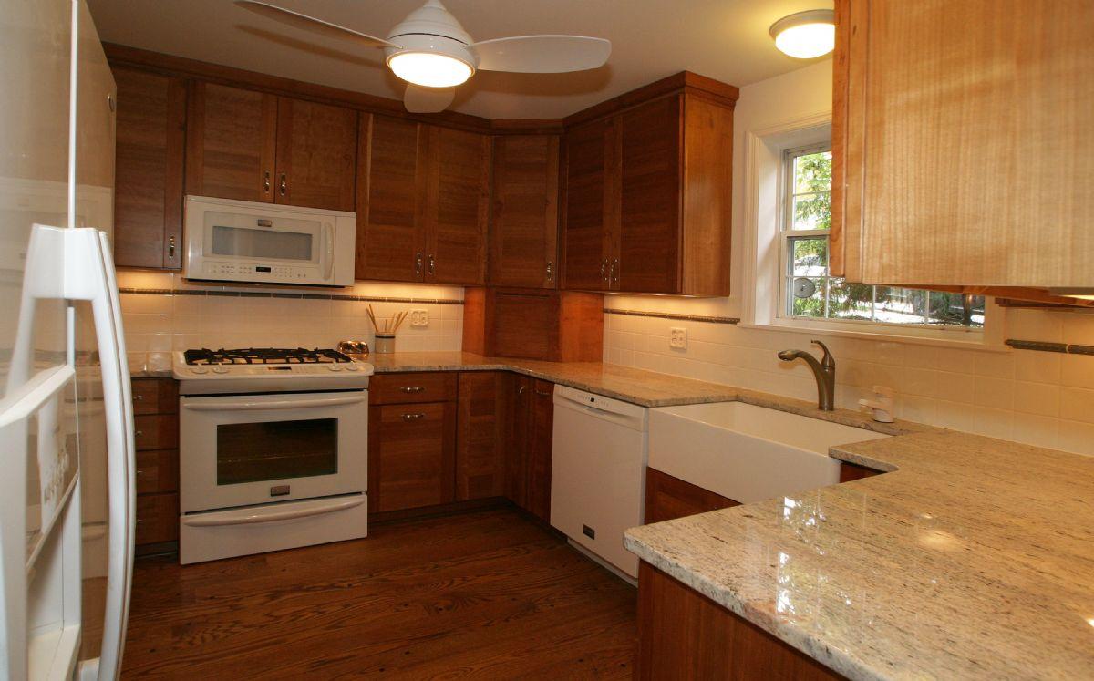 [109]Kitchen4.jpg